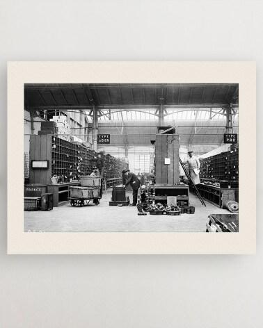 Photo dépôt de bus RATP - Magasin de pièces détachées